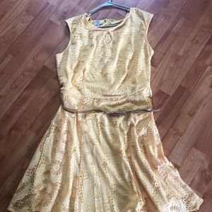London Style Collection Yellow lace dress